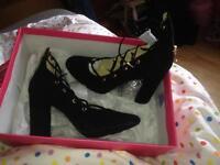 Women's size 5 shoes. BNIB