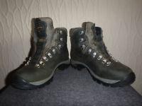 Zamberlan size 6.5 walking boots