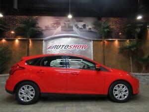 2012 Ford Focus ** SUN ROOF / HEATED SEATS !! **