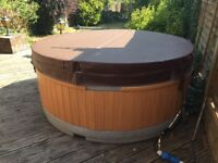 Rotospa 4 person hot tub