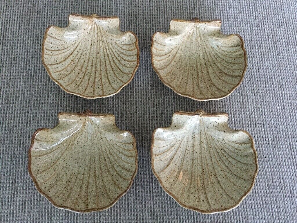 Brand new pottery scallop dishes