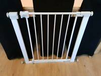 Safety first narrow pressure stair gate