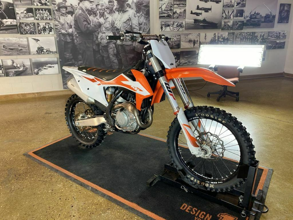 Picture of A 2020 KTM 450 SX-F