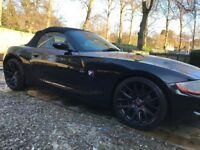 2004 black BMW Z4 2.2i Se convertible