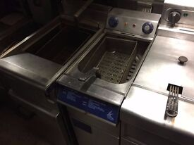 SINGLE ELECTRIC FRYER CATERING COMMERCIAL CAFE RESTAURANT KEBAB CHICKEN BBQ KITCHEN PUB BAR HOTEL