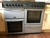 Double oven with 8 rings, splash back and extractor fan