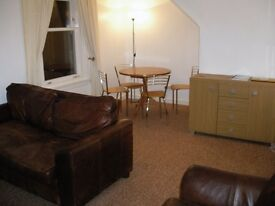 Spacious two bed flat in St John Street, Stirling, students welcome
