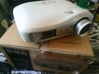 Epson emp tw-700 projector, excellent condition, boxed