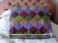 New Luxurious Double Bed Quilt, Polyester Silk, Diamond Pattern