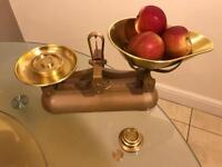 Vintage Avery Kitchen Scales, With Weights 1949, Excellent Condition