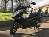 Honda Pcx 125 black only 2200 miles