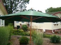 Large Hardwood Sunshade/Parasol Green