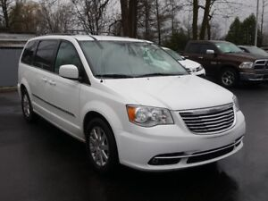 2016 Chrysler Town & Country TOURING STOW N GO MAGS NAV