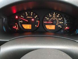 Nissan Navara long way down 2.5L diesel