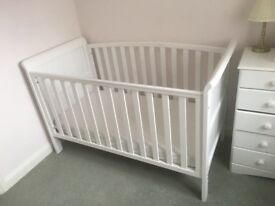 Tuscany 3-in-1 Cotbed in White with mattress