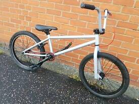 Mongoose Stunt Bmx Bicycle