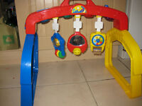 Musical BABY GYM / ACTIVITY CENTRE with lights BARGAIN PRICE (Around ��30 new) REDUCED +FREE BABY TOY