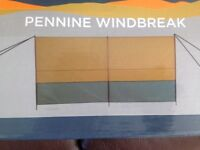 Pennine Lightweight Windbreak