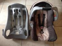 *** Graco Car Seat and Isofix Base Good Condition ***