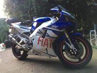 Yamaha R1 5JJ Model 2001