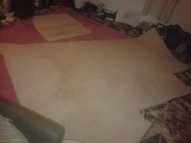 CARPET BEIGE IN GOOD CONDITION,2M X 3M APPROX,PERFECT FOR SMALL BEDROOM ,HALL, CAMPER/VAN CONVERSION