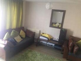 4 Bed House wants 3 bed house