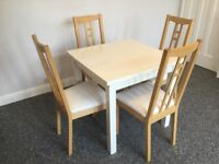 Gloss white finish dining table with 4 chair, in excellent condition!