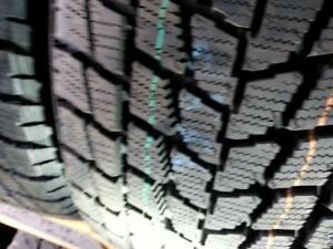 399$ POUR 2X 275-40-R20 NEW WINTER TIRE TOYO OPEN COUNTRY NEUFS