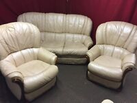BIEGE LEATHER 3 SEATER SOFA AND 2 ARM CHAIRS,CAN DELIVER