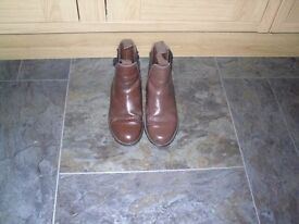 size 3 brown leather jodphur boots