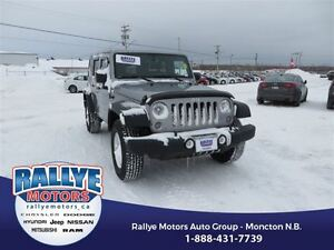 2015 Jeep WRANGLER UNLIMITED Sport! 4x4! Hitch! Alloy! ONLY 43K!