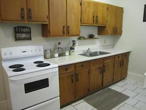 Two Bedroom Apartment, Downtown Peterborough, Oct 15/Nov 1 Peterborough Peterborough Area image 2