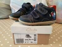 Clarks boys shoes vgc 6f infant