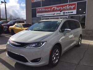 2017 Chrysler Pacifica LIMITED / 0% FIN 84 MTH