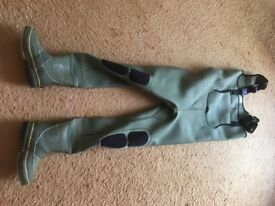 Snowbee Waders, Size 6, Tall lady / Medium Gents