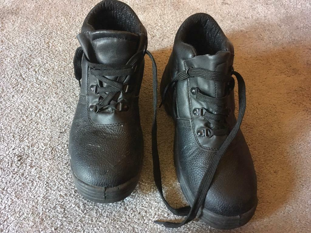 f575e5b8f45 Chukka Men's safety work boots size uk 7 used good condition £8 | in  Leicester, Leicestershire | Gumtree