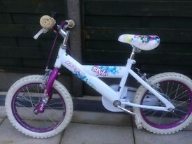 Girls bike up to 7 year old