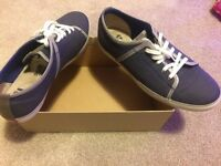 Clarks Blue Canvas new never worn size 9UK,43EUR!!!!