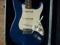 Fender Squier stratocaster in hardshell, special edition