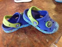 Crocs Boys in Blue/Green with Ocean scene and Compass Size 8