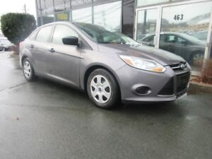 2014 Ford Focus 5-SPEED SEDAN - GREAT ON GAS