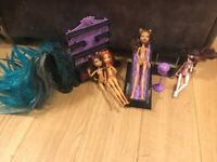 Monster high 4 dolls, Monster high play set, Monster high wig