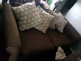 2 seater large soffa
