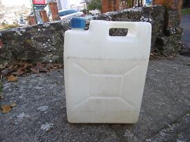 5 gallon fresh water jerrycan