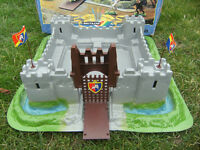Vintage Britains Knights of The Sword Lion Castle with original box
