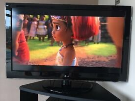 TV - LG 47LH5000 LCD (47 Inch) - Great TV