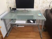 Desk for sale, first class condition.