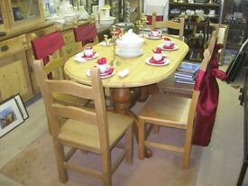 MODERN SOLID PINE PEDESTAL OVAL TABLE & 6 STURDY ORNATE LADDERBACK CHAIRS. LOVELY SET. DELIVERY POSS
