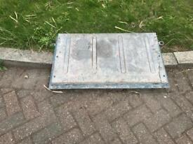 Land Rover tail gate