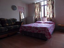 TRIPLE ROOM AVAILABLE NOW!!! ALL BILLS INCLUDED!!